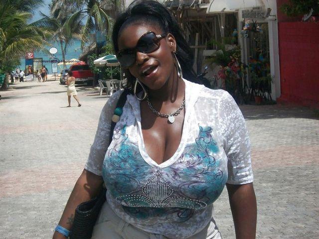 Buxom Afrikan chick Katt flaunting big natural black boobs № 1062082 без смс