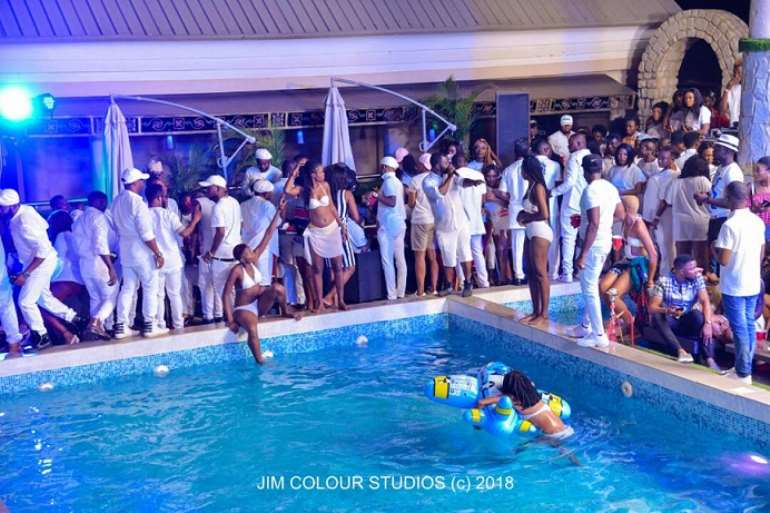 53201884007 abuja white party 7