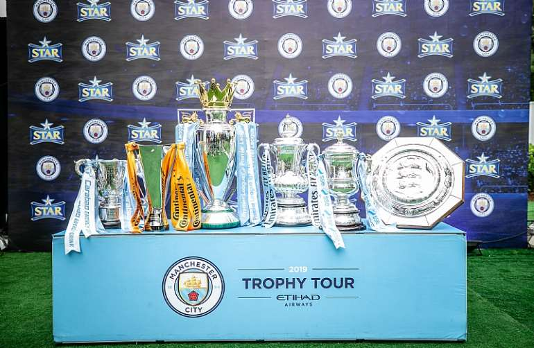 92201965052 star mancity trophy tour32