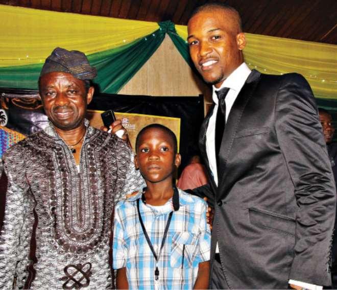 Kelani with two of his stars, Ojo (r) and Abatti (m). Photo: Aderemi Adegbite