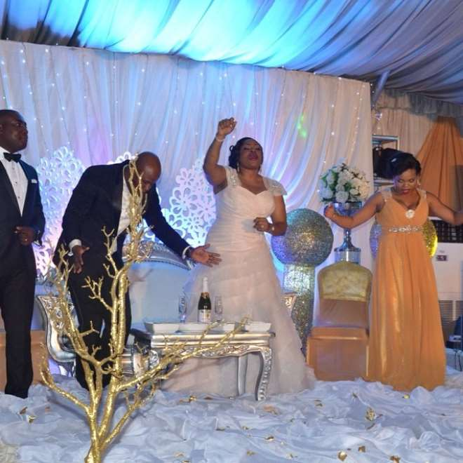 Old Love Songs For Wedding: Photos From Gospel Singer Sinach's Wedding