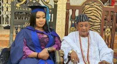 Alaafin of Oyo, Oba Lamidi Adeyemi Supports his Newly Graduating Wife