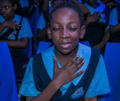 a student taking the abstinence pledge